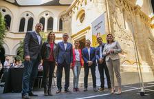 La inauguración de los Juegos Mediterráneos y la construcción de viviendas centran el debate