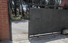 Cuatro encapuchados roban un coche en una vivienda del Mas del Plata