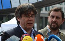 Els escons de Puigdemont, Comín i Junqueras traslladen la batalla jurídica a l'Eurocambra
