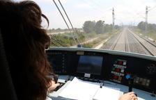 El vent obliga a tallar indefinidament la circulació de trens entre Cambrils i Tarragona