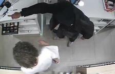 Detenido en Barcelona un ladrón de farmacias que actuaba armado con una navaja y una jeringa
