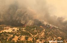 Evacuen els masos dels cinc municipis propers a l'incendi de Ribera d'Ebre