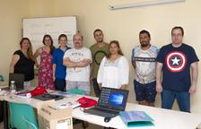 Deu persones fan un curs d'operacions auxiliars de serveis administratius a Constantí