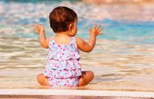 Fer la digestió abans de banyar-se: mite o realitat?