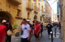 El carrer Comte s'omple de música i color per celebrar la Pilons Parade