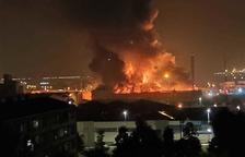 Veïns de Campclar i la Floresta marxen de la ciutat espantats pel foc