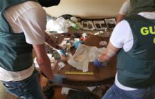 Set detinguts, tres a presó, per vendre tot tipus de droga en dos domicilis del Vendrell