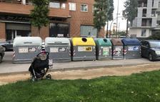 Una lectora denuncia contenedores inaccesibles en Tarragona