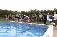 La piscina del Nàstic es converteix en el punt neuràlgic de la celebració del 'Mulla't'