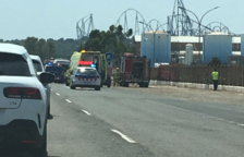 Un motorista mor en una topada amb una ambulància a Vila-seca