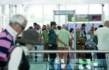Huelga indefinida a partir del 9 de agosto de los vigilantes de los controles de seguridad del aeropuerto del Prat