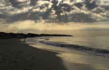 Muere ahogado un hombre de 67 años en la playa Llarga de Tarragona