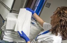La Xarxa Sanitària Santa Tecla introdueix la tovallola mèdica d'un sol ús