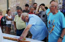 Un entrepà de 30 metres amb la signatura de Can Boada presideix l'avantsala de les festes de Sant Roc