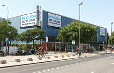 Caixabank ofereix en lloguer l'edifici dels desapareguts cines Lauren de Reus