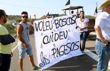 Els pagesos afectats pel foc de la Ribera d'Ebre augmenten les protestes per reclamar ajuts a fons perdut