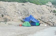 Aumentan las personas que duermen en las playas de Tarragona