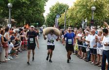 La cursa de sacs d'avellanes de Riudoms s'omple de participants