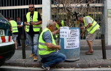 Els pagesos afectats pel foc de la Ribera d'Ebre anuncien un nou tall de la C-12 a Flix diumenge
