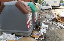 Tarragona registra dos sanciones diarias por dejar basura fuera de los contenedores