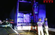S'incendia un camió a l'AP-7 a Mont-roig del Camp