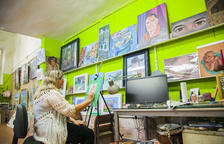 Nou taller tancat a la Part Alta: «Si el barri canvia, els artistes marxem»