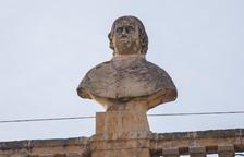 Nou personatges, des del segle IV al XIX, coronen el Palau Municipal