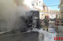Crema un camió d'escombraries a Sant Carles de la Ràpita
