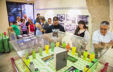 Una exposició recorda els vint-i-cinc anys de l'aparició de la 'mamadeta' a Tarragona