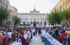 Centenars de tarragonins es mengen el Braç de Santa Tecla en qüestió de minuts