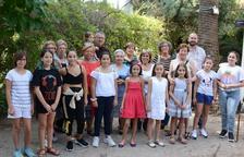 Les Tecles es reuneixen per celebrar el tradicional dinar de vigília de la patrona