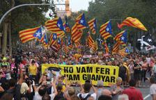 18.000 persones es manifesten al centre de Barcelona al crit '1-O, ni oblit ni perdó'