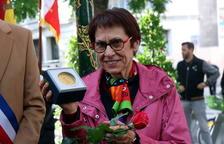 París inaugura el passatge Neus Català i li atorga la medalla de la ciutat