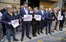 Un centenar de persones es concentren a la delegació del Govern a Tarragona per protestar per la sentència