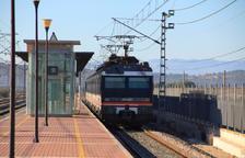 Restablecida la circulación de trenes de la R16 por falta de suministro eléctrico en l'Aldea