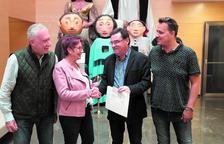 La Pobla lliura un donatiu de més de 2.000 euros a l'Associació La Muntanyeta