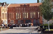 Un grup d'estudiants demana a la rectora de la URV que tanqui la universitat