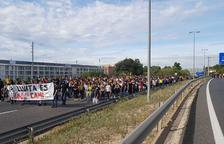 Prop d'un miler de persones es manifesten a Tarragona i tallen l'A-7