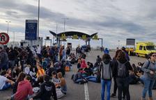 Tallen l'accés al Port de Tarragona per l'A-27 i la T-11 a Reus  en l'inici de la vaga general