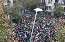 Tsunami reapareix i convoca una seguda a la Delegació del govern espanyol per la visita de Sánchez