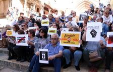 La madre de David Solé: «Está fuerte y seguiremos luchando por defender su libertad»