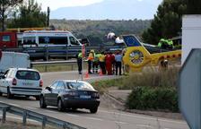 Quatre persones ferides, una en estat crític, després d'un xoc frontal a la C-12 a Xerta