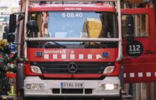 Cremen dos vehicles durant la matinada al Camp de Tarragona